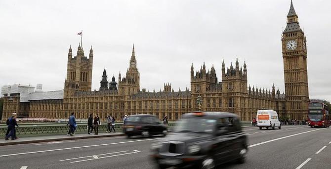 İngiliz Parlamentosu Suriye tezkeresi için toplanacak