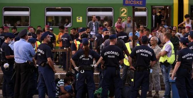 Macaristan 'mülteci kotası'nı Lahey'e taşıyacak