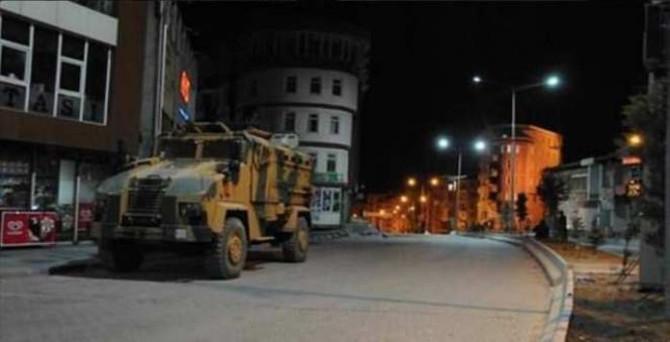 Nusaybin'de yasak 22.00'de kalkıyor
