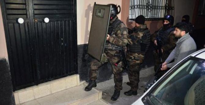 'Bin polisle' şafak operasyonu