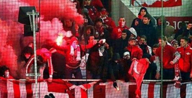 Rusya'dan Türk bayrağı yakan taraftarlara ceza