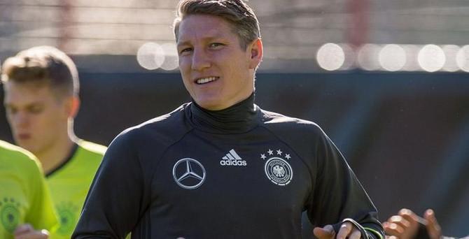 Schweinsteiger'a üç maç ceza