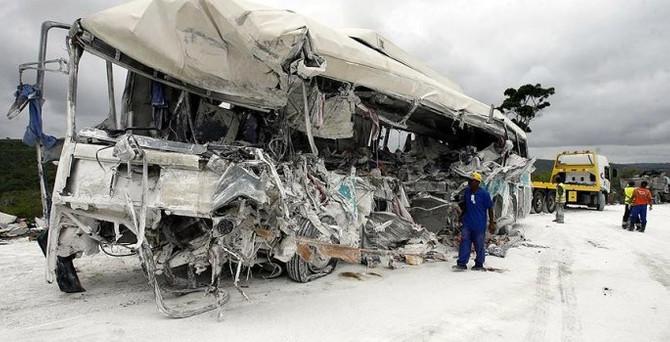 Jandarmaları taşıyan otobüs köprüden uçtu: 41 ölü