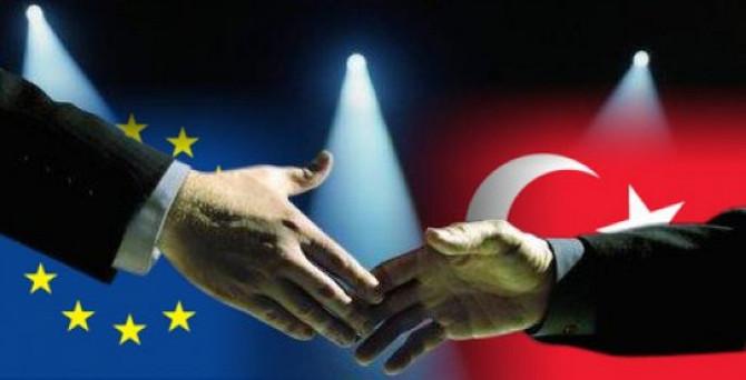 'Sığınmacı krizi Türkiye-AB ilişkilerini hızlandırdı'