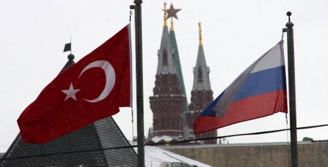 Rusya'da, Türk işyerlerine baskı tabela değiştirtiyor