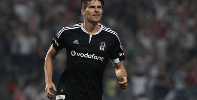 Gomez, Beşiktaş'ta kalacak mı?