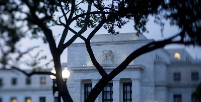 Fed tutanakları: Faiz kararı kılpayı alındı