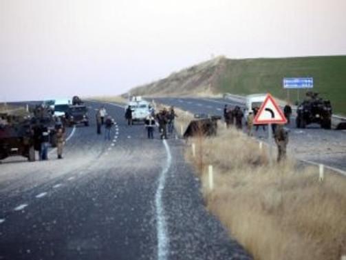 Diyarbakır'da terör saldırısı: 3 polis şehit
