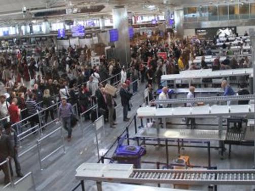 Atatürk Havalimanı'nda yine dış hatlar krizi