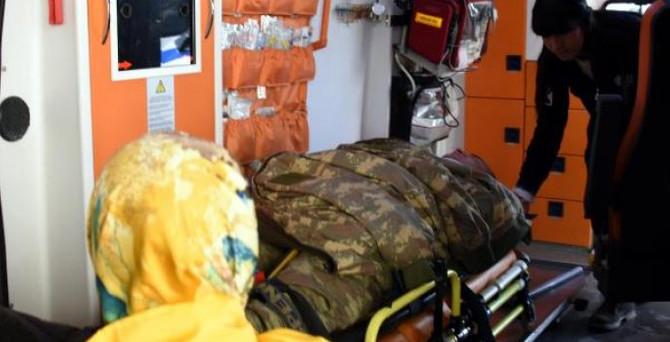 Askeri araç devrildi: 7 asker yaralı