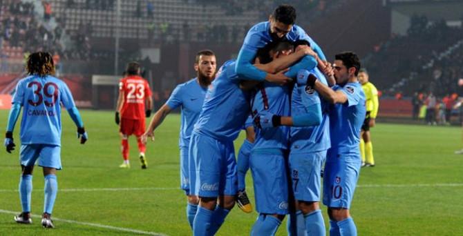 Avni Aker'de 3 gol, penaltı ve  kırmızı kart