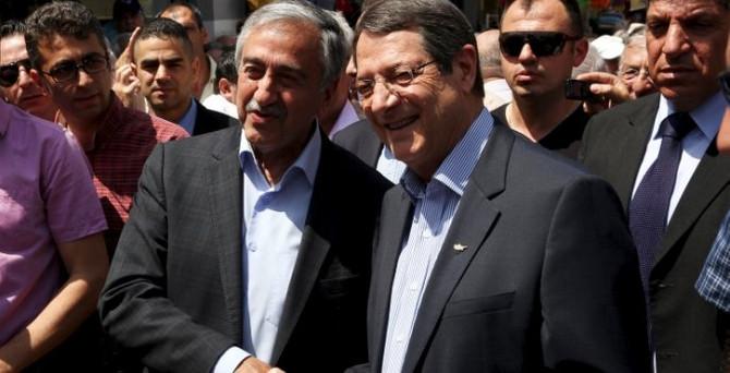 Kıbrıs'ta çözüm için liderler bir araya geldi