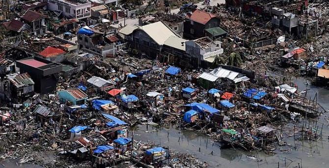 Filipinler'de tayfun 45 can aldı