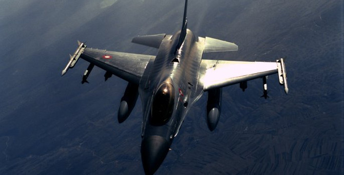 Suriye sınırında F-16'lar ile devriye