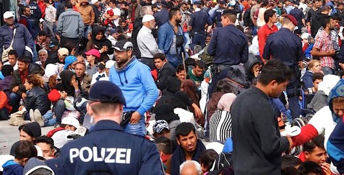 Avusturya'dan mülteci açıklaması