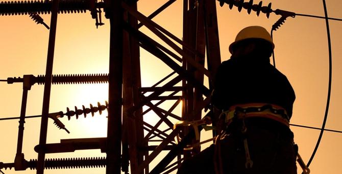Sık kesilen elektrik, üretimi aksatıyor