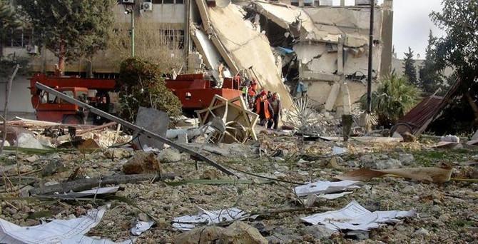 Rus jetleri okul bombaladı: 5'i çocuk 9 ölü