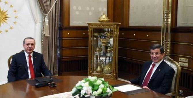 Erdoğan, Davutoğlu ile buluştu
