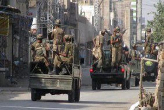 Suriye'de tanklar Hama'ya girdi
