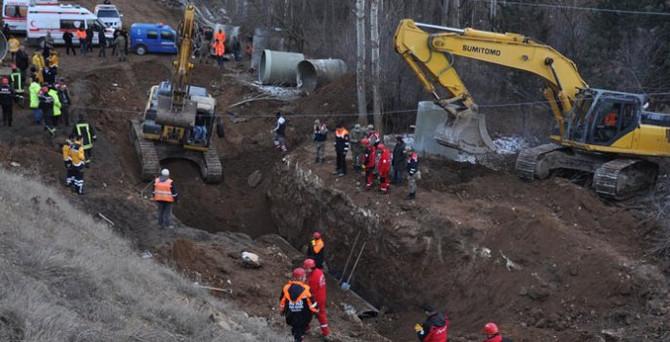 Su kanalında göçük: 3 işçi hayatını kaybetti