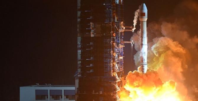 Çin, Gaofın-4 uydusunu fırlattı
