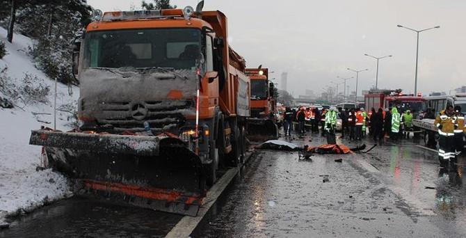 TEM'de yine kaza: 3 ölü, 1 yaralı