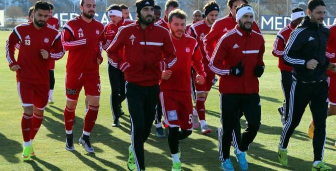 Medicana Sivasspor'da 6 futbolcu gönderildi