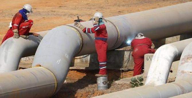 Venezuela Kolombiya'ya doğalgaz sevkiyatını durdurdu