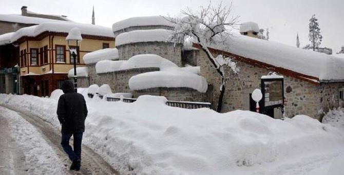 Bartın'da okullara 2 gün kar tatili