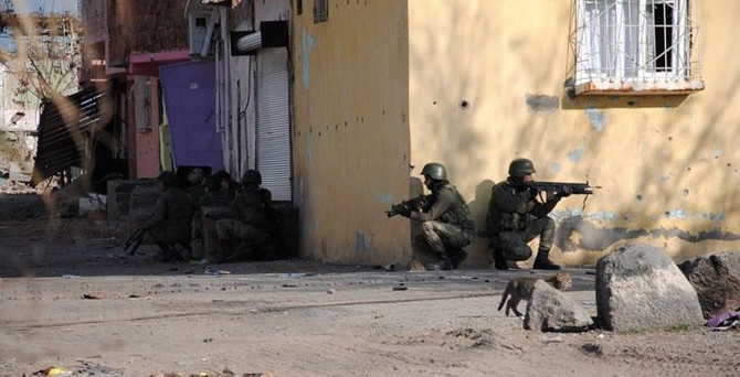 Sur'da çatışma: 1 asker şehit oldu