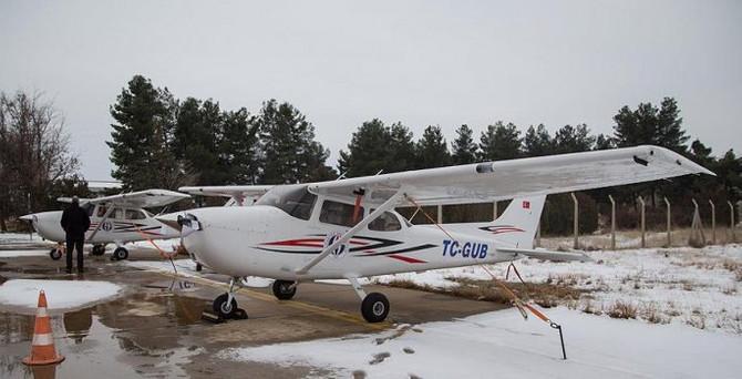 Üniversite, eğitim için iki uçak aldı