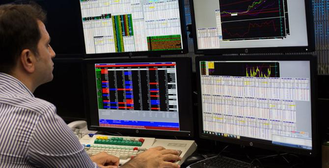 Borsa günün ilk yarısında yüzde 0,74 yükseldi