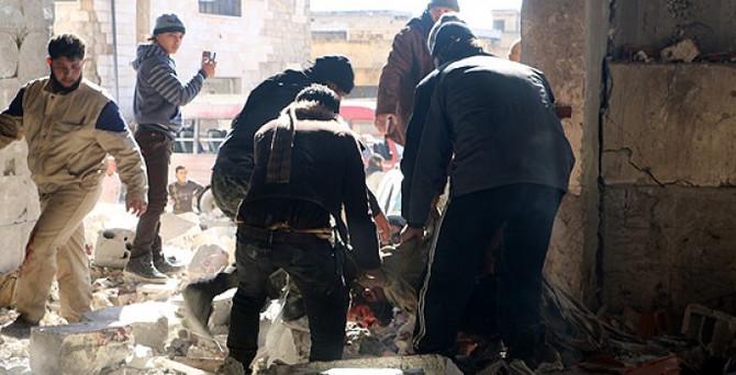 Rus uçakları İdlib'e saldırdı: 47 ölü, 100 yaralı