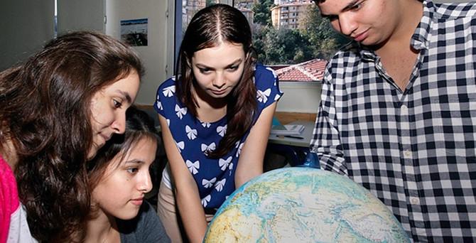 Aileler yurtdışında üniversite için lisede 'Bakalorya' yolunu keşfetti