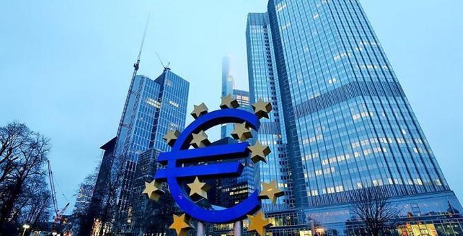 Avrupa'da 'durgun toparlanma' devam edecek