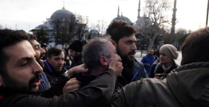 Sultanahmet'te bıçaklı arbede: 1 gözaltı