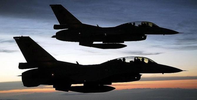 """Yunan uçaklarından Türk jetlerine """"taciz"""""""