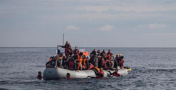 Ege'de sığınmacı botu battı: 3 çocuk öldü