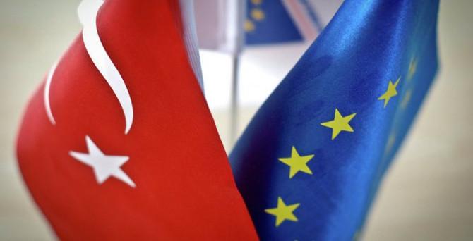 İtalya, Türkiye'ye 3 milyar euroluk yardımı bloke ediyor