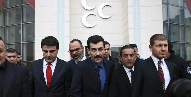 MHP'de muhalif imzalar genel merkezde
