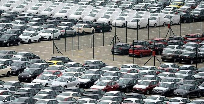 2015'te satılan araçlar Türkiye'nin 4 katı uzunluğunda
