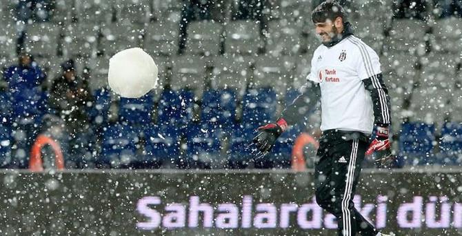 Beşiktaş, Mersin İdman Yurdu maçına kar engeli