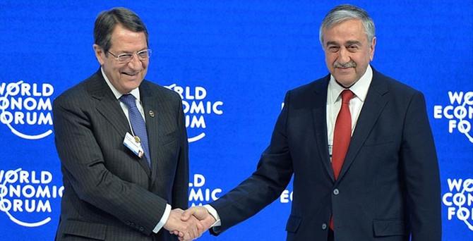 İki lider Davos'ta Ada'nın geleceğini konuştu