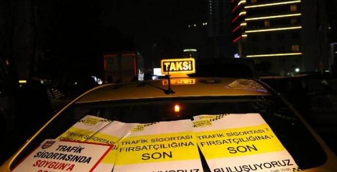 Taksiciler sigorta zammını protesto etti
