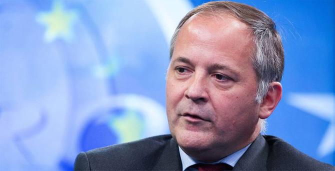 ECB: Ekonomi için para harcayın