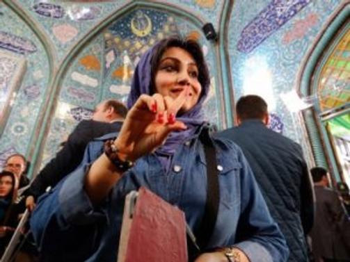 İran'da milyonlar sandık başında