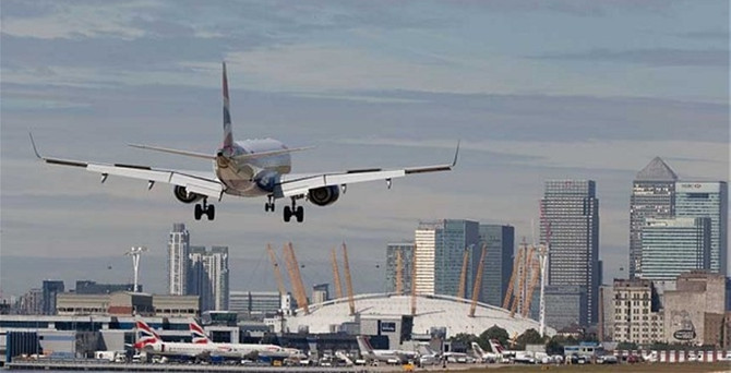 Londra'daki havaalanı 'City Airport' satıldı