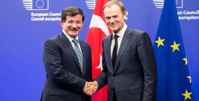 Davutoğlu, Tusk ile 'mültecileri' görüşecek