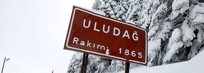 Uludağ'da kar kalınlığı 115 santimetreye ulaştı