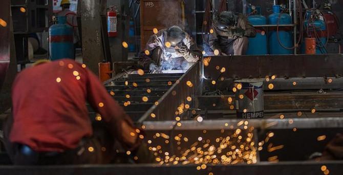 İngiltere'de sanayi üretimi azaldı